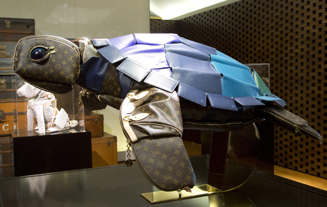 Louis Vuitton Billie Achilleos Leather Animal Sculptures (9)