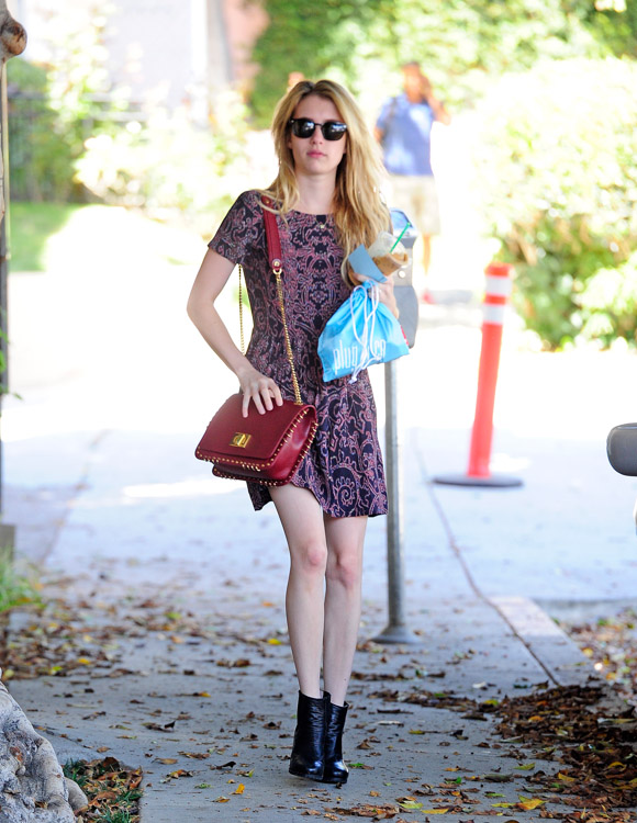 Emma Roberts carries a burgundy Pucci bag (4)