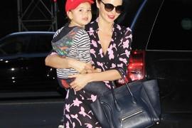 Miranda Kerr carries a blue Celine Luggage Tote in NYC (5)