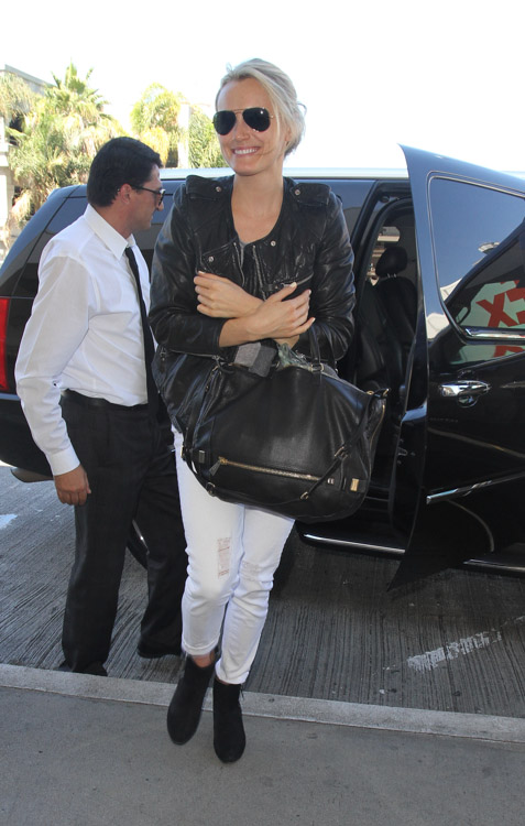 Taylor Schilling carries a black Botkier bag in LA (2)