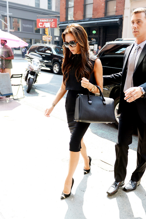 Victoria Beckham carries one of her own handbags for shopping in NYC (1)