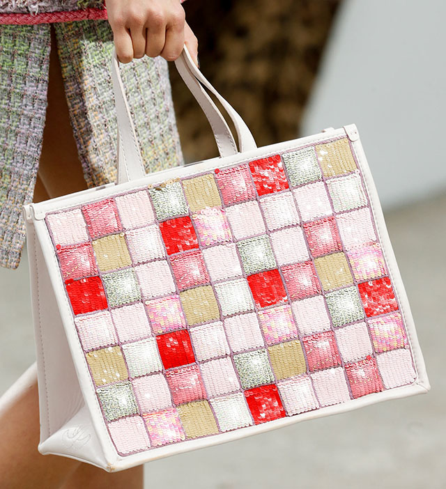 Chanel Spring 2014 Handbags (11)