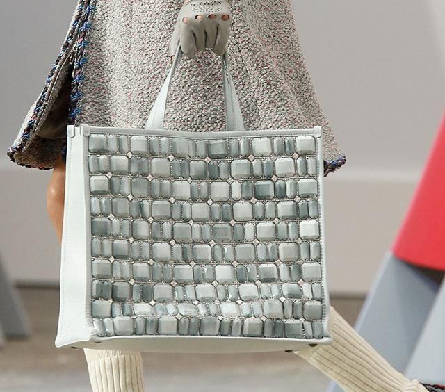Chanel Spring 2014 Handbags (29)
