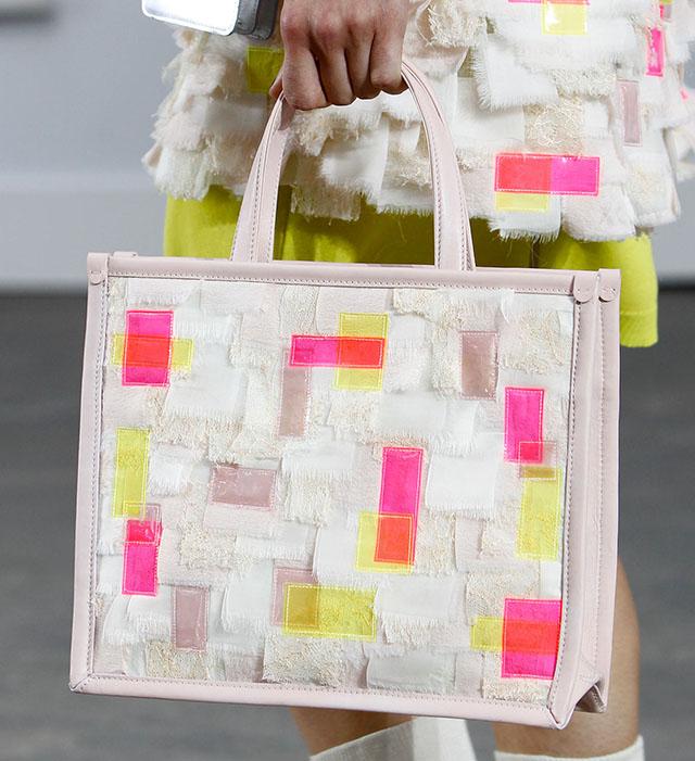Chanel Spring 2014 Handbags (38)
