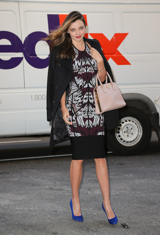 Miranda Kerry carries a pink Prada bag in NYC (3)