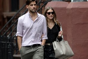 Olivia Palermo Totes Anya Hindmarch on a Perfect West Village Day