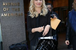 Sarah Michelle Gellar Totes a Chanel Bag in NYC