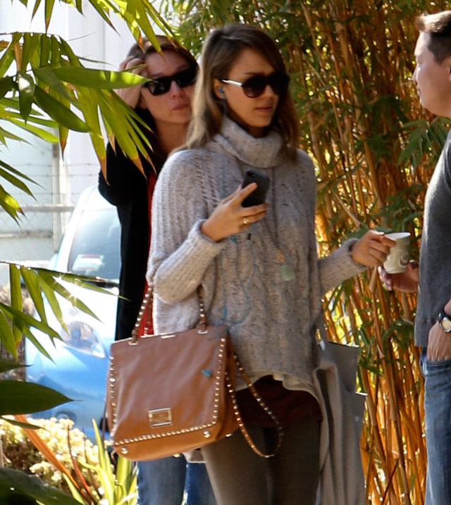 The Many Bags of Jessica Alba, Part Two (5)