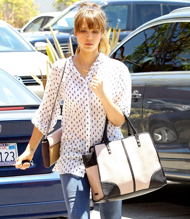 The Many Bags of Jessica Alba, Part Two (37)