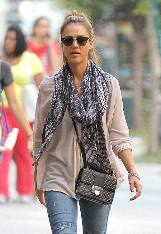 The Many Bags of Jessica Alba, Part Two (43)