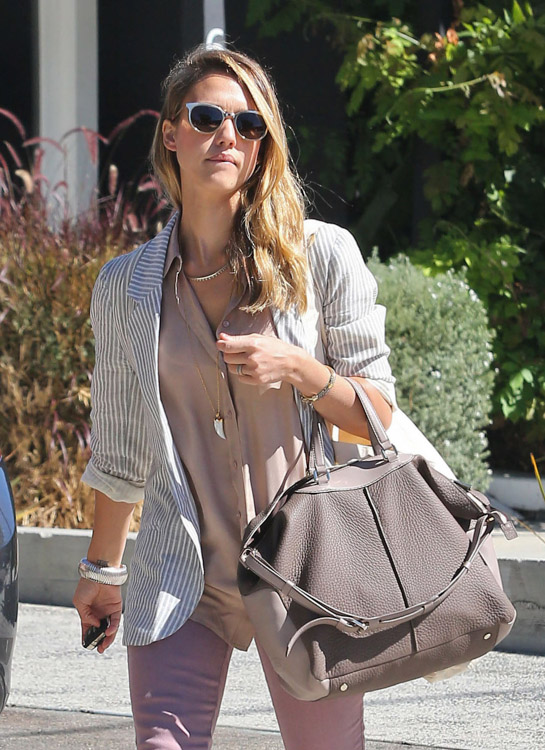The Many Bags of Jessica Alba, Part Two (7)