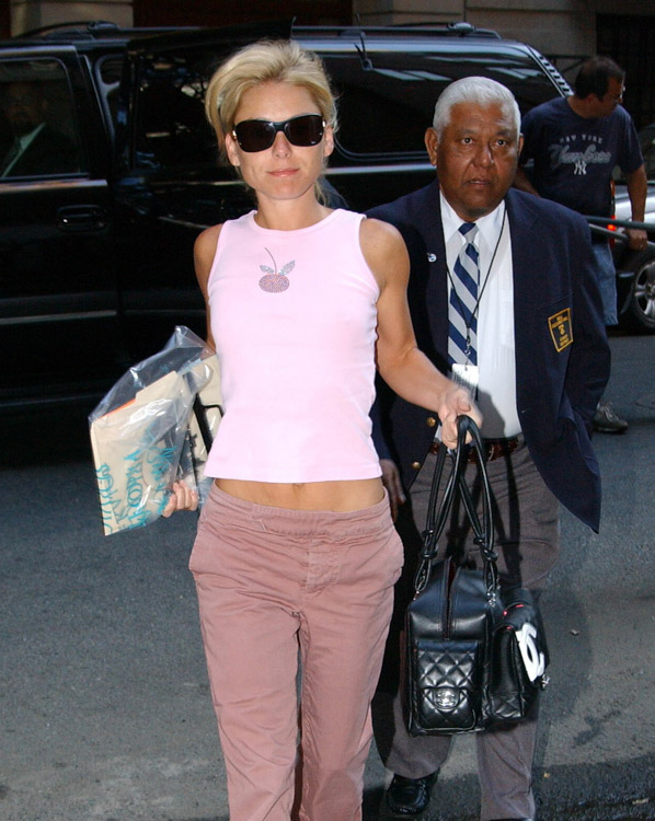 The Many Bags of Kelly Ripa (3)