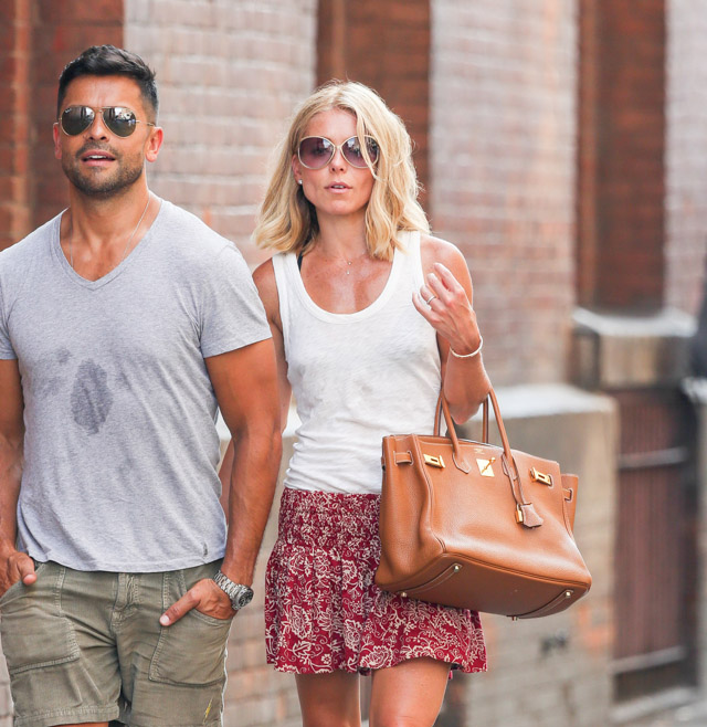 The Many Bags of Kelly Ripa (11)