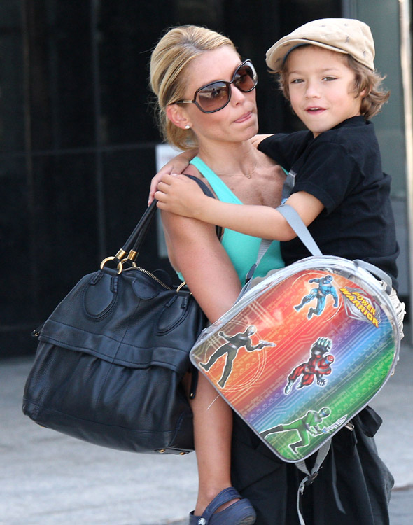 The Many Bags of Kelly Ripa (4)