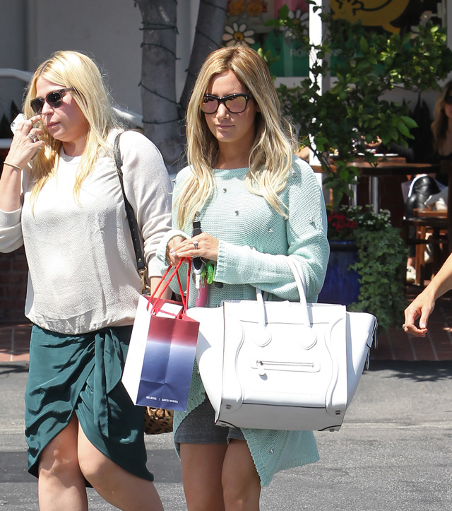 Celebs and Celine Luggage Totes 19