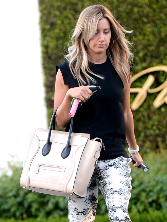 Celebs and Celine Luggage Totes 26