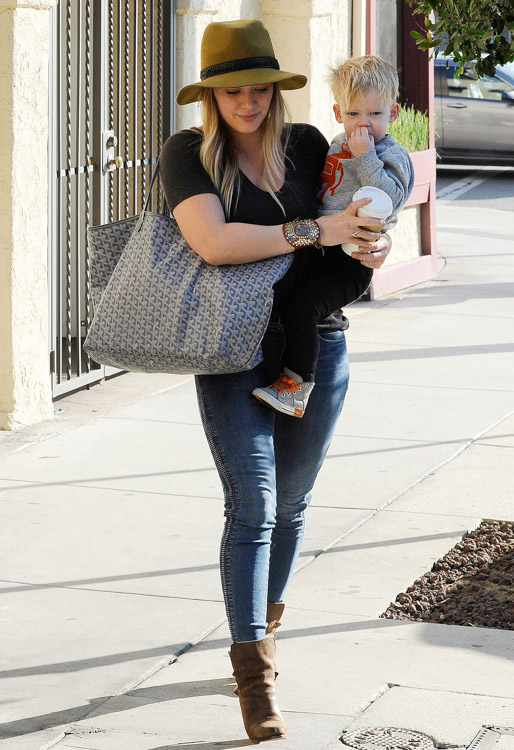 Hilary Duff carries a grey Goyard tote in Beverly Hills (1)