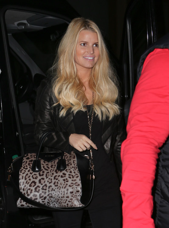 Jessica Simpson carries a leopard Givenchy bag in NYC (3)