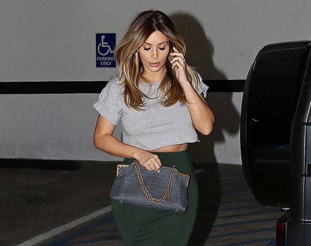 Kim-Kardashian-Bottega-Veneta-Crocodile-Shoulder-Bag