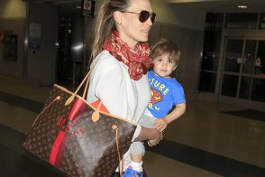 Molly Sims Returns from Vacation with Customized Louis Vuitton