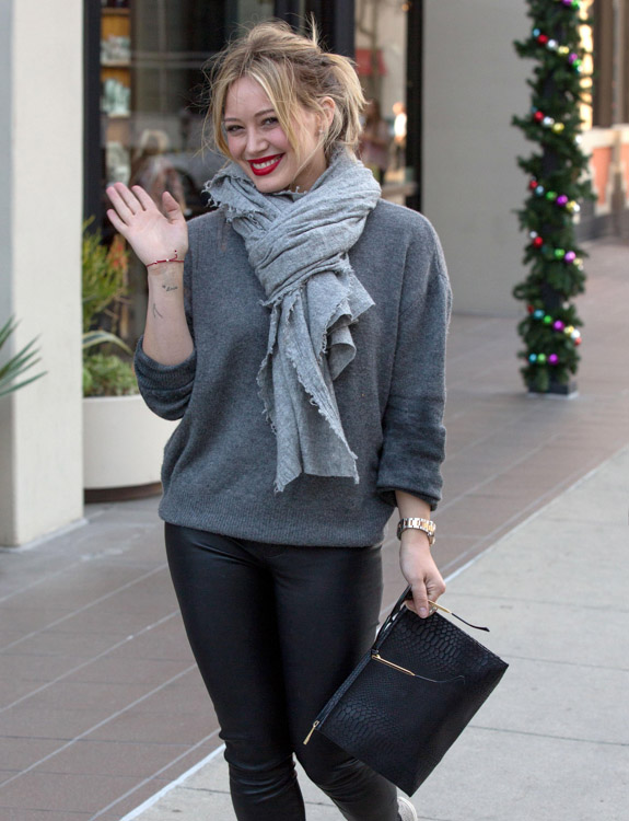 The Many Bags of Hilary Duff Part Two-1