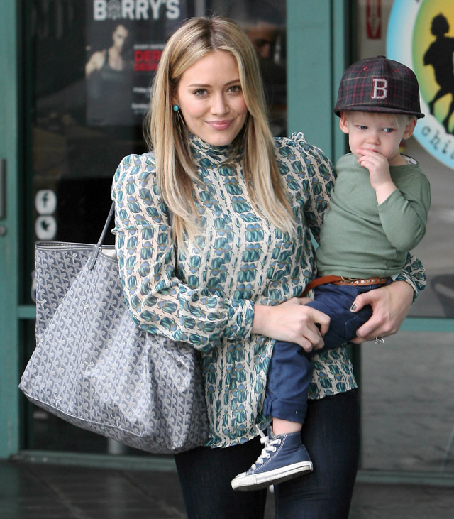 The Many Bags of Hilary Duff Part Two-17