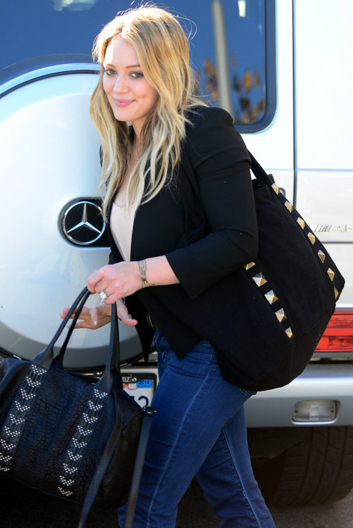 The Many Bags of Hilary Duff Part Two-19