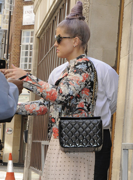 The Many Bags of Kelly Osbourne 16