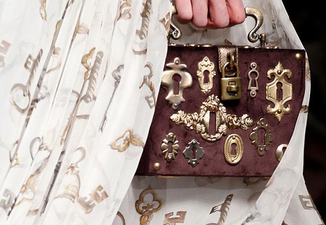 Dolce and Gabbana Fall 2014 Handbags 16