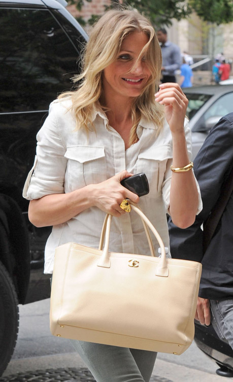 Celebrities and Their Chanel Bags-7