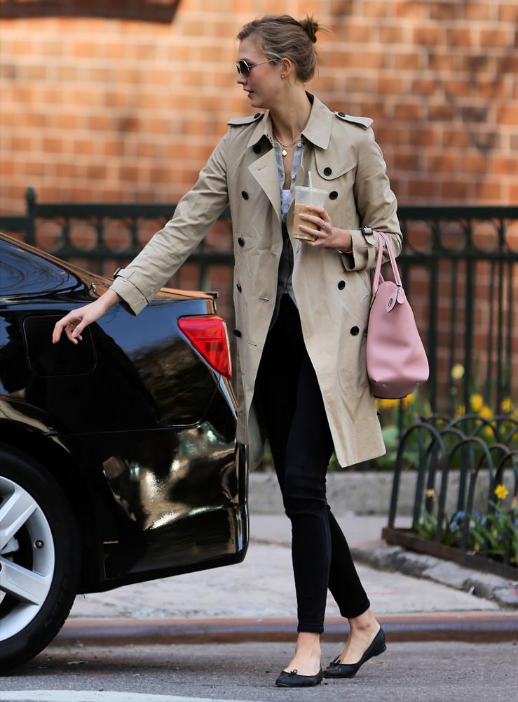 Karlie Kloss Louis Vuitton Bag1