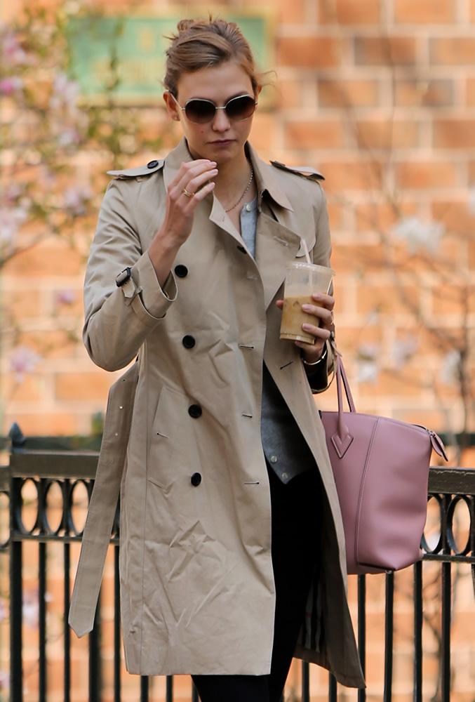Karlie Kloss Louis Vuitton Bag3