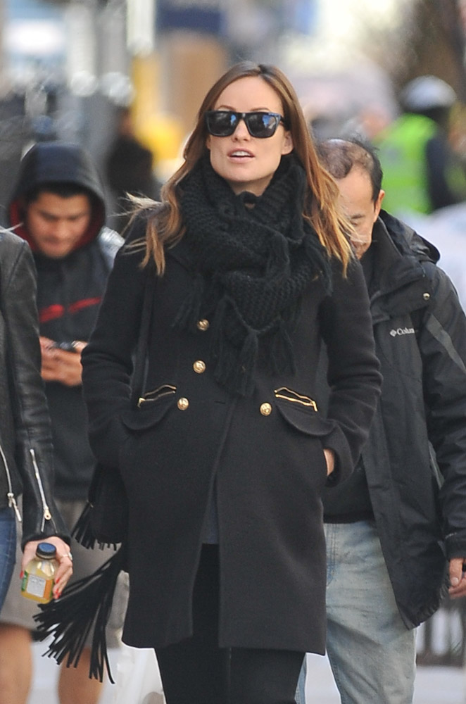 Olivia Wilde Gucci Nouveau Fringe Suede Bag-1
