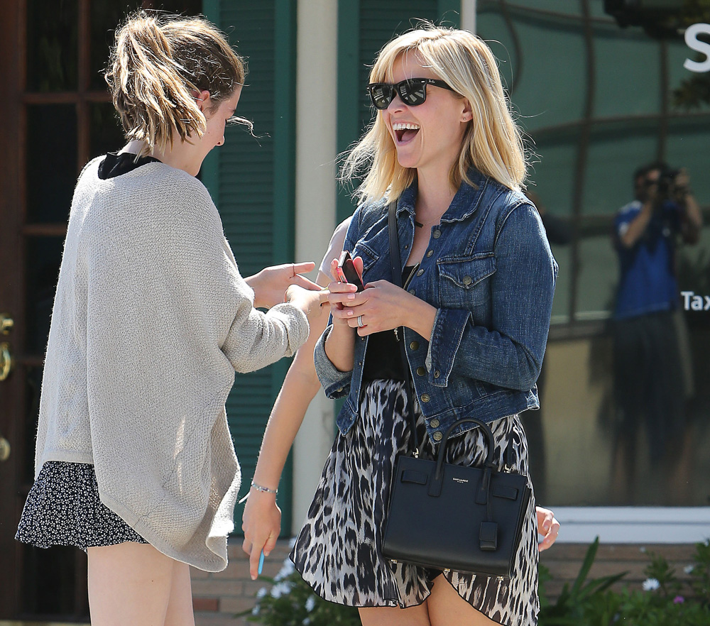 Reese Witherspoon Saint Laurent Sac de Jour Micro Bag