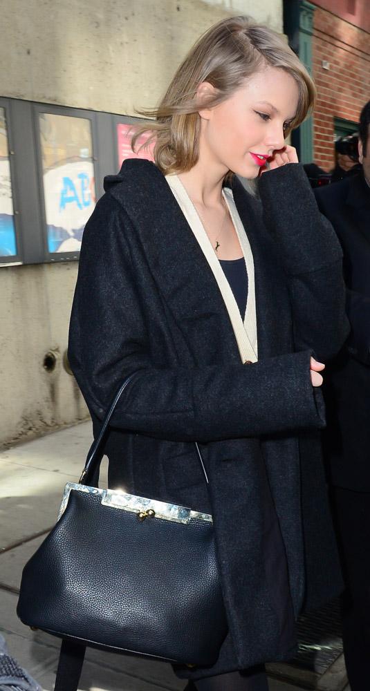 Taylor Swift Dolce & Gabbana Sara Bag-10