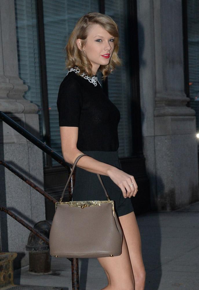 Taylor Swift Dolce & Gabbana Sara Bag-15