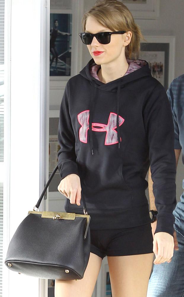 Taylor Swift Dolce & Gabbana Sara Bag-4