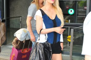 Jessica Simpson Carries an Old Favorite YSL Bag in Washington, D.C.