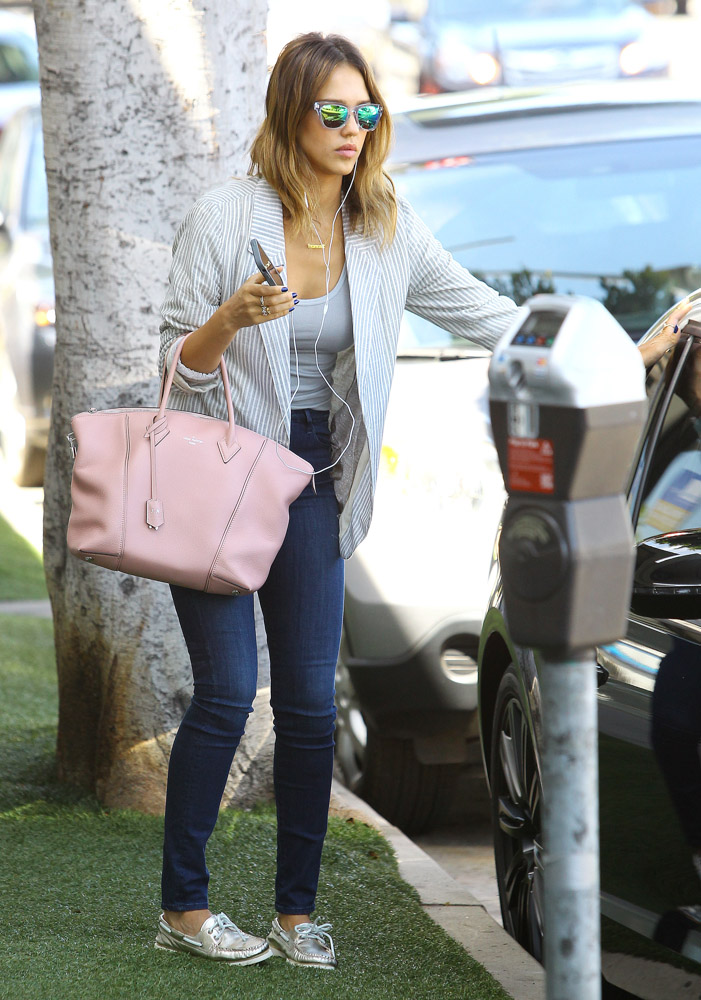 Jessica Alba Louis Vuitton Soft Lockit Bag-1