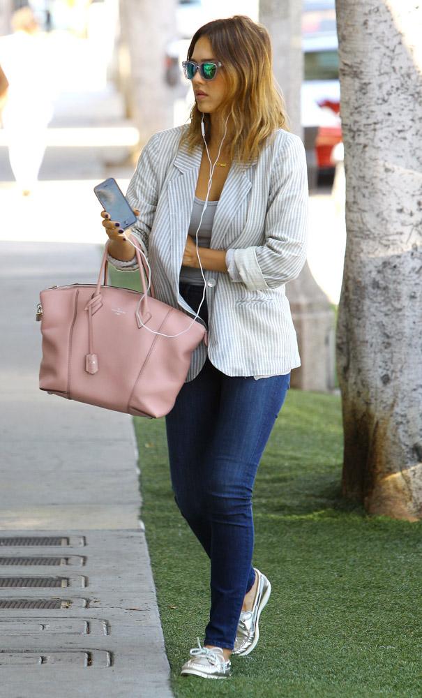 Jessica Alba Louis Vuitton Soft Lockit Bag-2