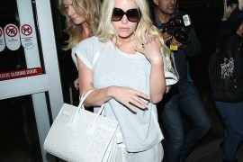 Jessica Simpson Touches Down at LAX with a Saint Laurent Bag-Shoe Combo