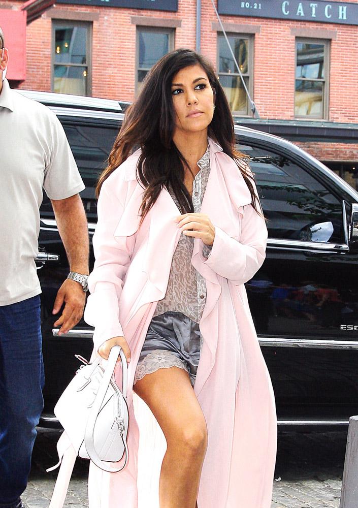 Kourtney Kardashian Givenchy Antigona Mini Bag-3