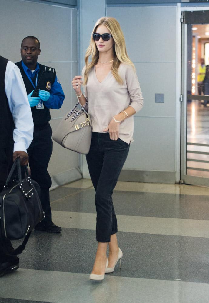Rosie Huntington-Whiteley Givenchy Antigona Bag-2
