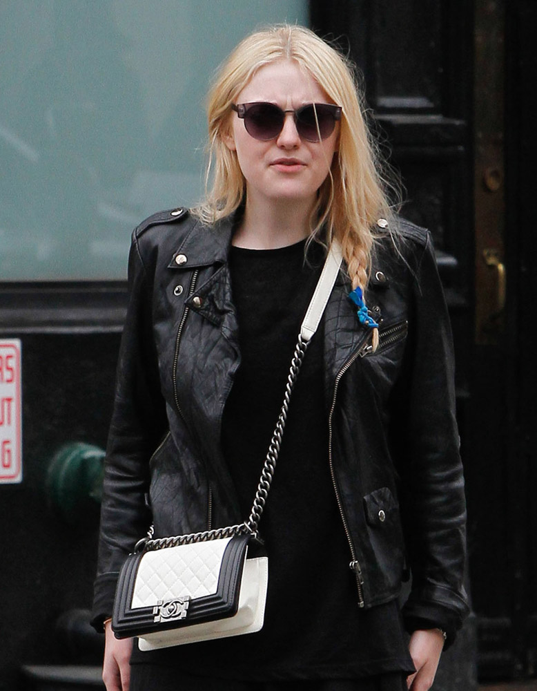 The Many Bags of Dakota and Elle Fanning-20