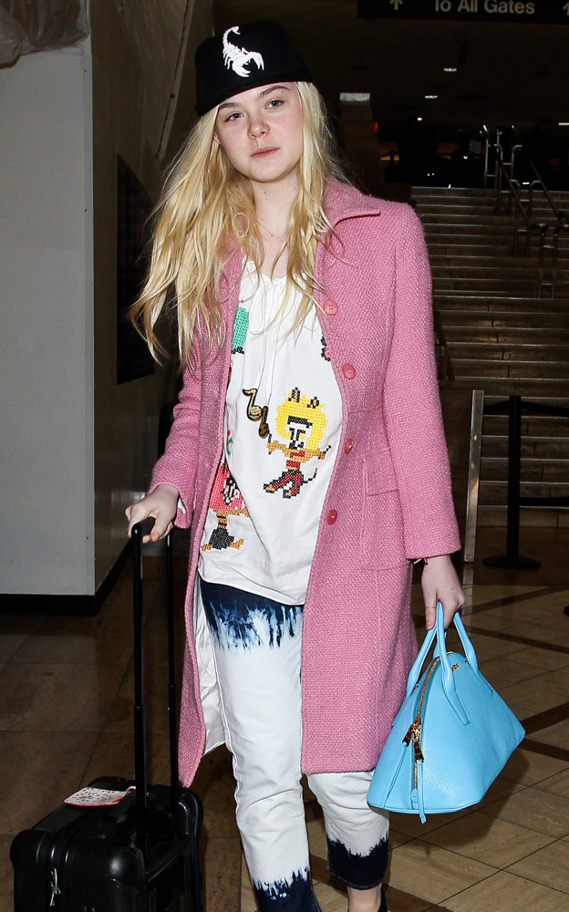 The Many Bags of Dakota and Elle Fanning-22