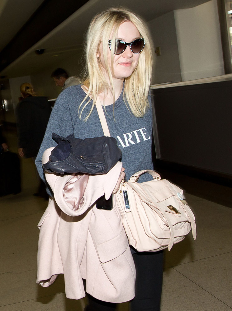 The Many Bags of Dakota and Elle Fanning-23