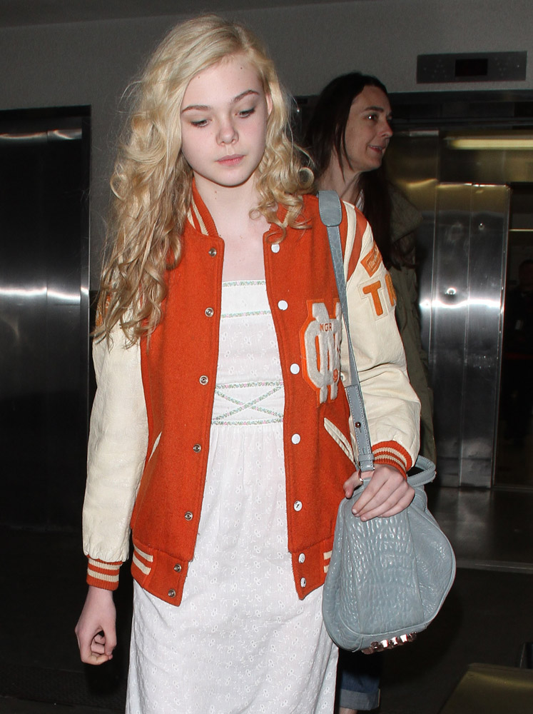 The Many Bags of Dakota and Elle Fanning-5