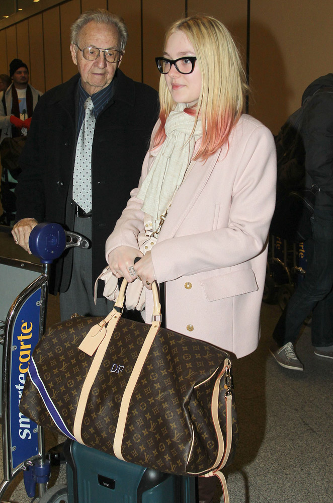 The Many Bags of Dakota and Elle Fanning-7