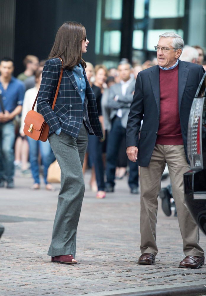 Anne Hathaway Celine Classic Box Bag-2