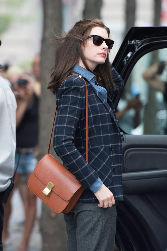 Anne Hathaway Celine Classic Box Bag-4